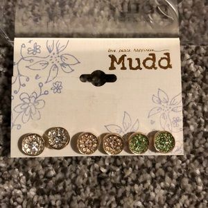 Mudd earrings, New!